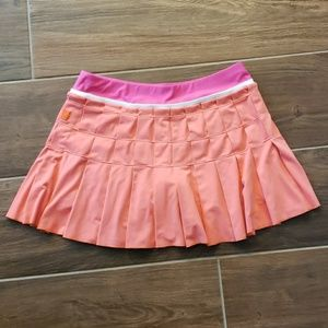 Nike tennis/ golf skort, sz medium, pink
